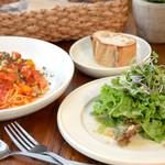 ベビーリーフ - パスタAランチ(スープ+サラダ+パン)800円