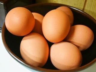 ラーメン東大 - 生卵が一杯置いてある!!
