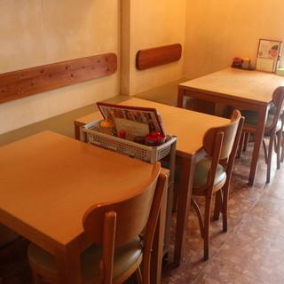 冷麺館鶴橋店は2階席もあります