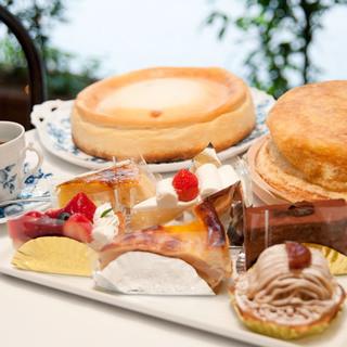 ケーキは定番の4種類とおすすめケーキをご用意