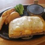 30196240 - チーズペッパー ビーフハンバーグステーキ…750円(税別)