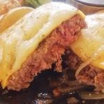 30196256 - チーズペッパー ビーフハンバーグステーキ…750円(税別)