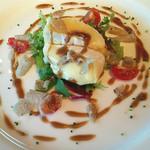 30196365 - 温かいチーズとサラダの前菜