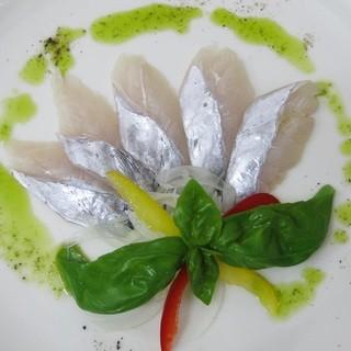 天然地魚【元魚屋のオーナーシェフが選ぶ旬の美味しい魚】