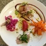 romantic diner loco - 「おすすめランチセット(1,280円)」の前菜。前菜は彩りも味もなかなかで悪くないです