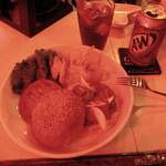 ブギーカフェ - A&W、ハンバーガー