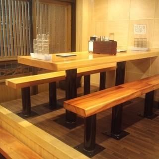 6名様テーブルで仲間と日本酒飲み比べ>一杯500円~