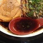 金久右衛門 本店 - 大阪ブラック細麺(720円)スープ