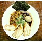 凌駕 Ninja - 料理写真:「黒味噌めん・特製」…マー油とニンニクのコラボが素晴らしい!(2012.11)