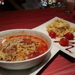 萌魂 - 鶏トマト煮&すーなかポテサラ