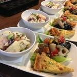 ユルリサロン×ハナウタカフェ - 野菜の前菜盛り合わせプレート