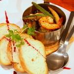 30230100 - 野菜と海老のアヒージョ