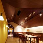 ベーカリーレストランサンマルク - 25名様程度まで対応の落ち着いた雰囲気のホール