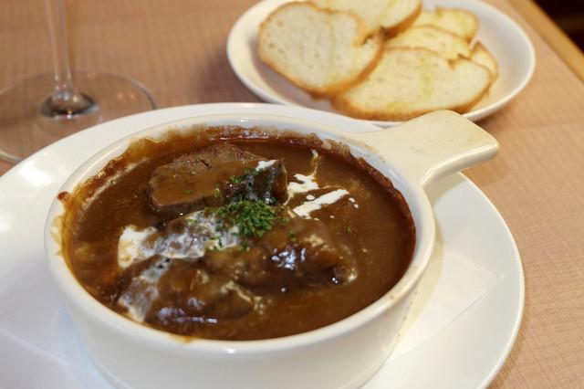 ハングリー - 【Hungry名物!タンシチュー】6時間以上煮込まれたトロける牛タンと優しい味わいのデミグラスソース