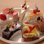 GGC - ケーキ各種420円(税抜)食後にお得なセット300円(税抜)