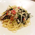 トラットリア・バッカーノ - ランチ 鳥羽のお魚のホホ肉と空芯菜のペペロンチーノ