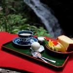 滝カフェ 器楽々 - モーニングサービス☆