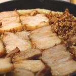 北大塚ラーメン - 激辛(半) チャーシュー麺(並) のアップ