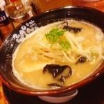 てっぺん - 晩御飯は、豚骨キクラゲもやしラーメン!(^ー^)ノ相変わらず、ここの醤油豚骨は最高( ̄▽ ̄)