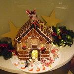カフェレストラン カメリア - ☆クリスマスシーズンだと可愛いディスプレイが☆