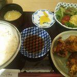 Hokkoriya - とりから定食