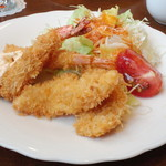 モン・クレール - 本日のランチ(エビと白身魚のフライ)