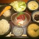 toukyousakebaruambai - 和定食980円 写真と違い、鮭だし、、