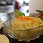 みやちょう - カレーのサラダ