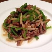 四川厨房ふう   - 牛肉とピーマン細切り炒め