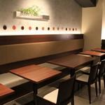 麺司令 - テーブル席