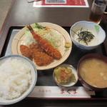 まぐま - 料理写真:フライ盛り合わせ(エビ・アジ・カキ)