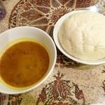 ラバラカ - ハリラ・スープとホブズ