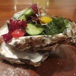 シーフードレストラン アクア - 岩牡蠣
