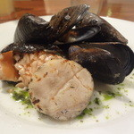 シーフードレストラン アクア - 三重県直送ムール貝、北海道のホタテ、自家製スモークサーモン
