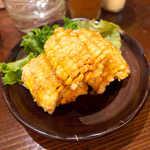 二丁目酒場 - とうもろこしの天ぷら(¥302)。若干食べにくいが、味は悪くない一品