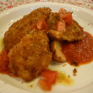 スワロウテイル - 料理写真:☆チキンカツをあっさりトマトソースで(≧▽≦)/~♡☆