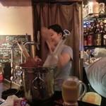 Cafe Bar FAB - この日は素敵スタッフが二人いたのだ。運が良ければ構ってくれるよ~