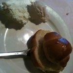 Italian Dining CUCINA  - パンとホイップバター(薄いピンクはストロベリー味)