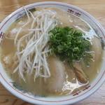 中華そば三丁目 - チャーシュー麺です☆2014-0829訪問