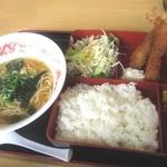 熊猫 - 海老フライ定食¥650円2014/8月