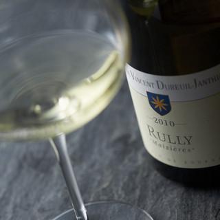 150種超の中からお客様に最適なワインをご提案いたします