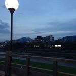 モリタ屋 - 川床から眺める鴨川