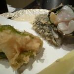 天ぷら新宿つな八 - 貝柱海苔巻き、ピーマンエビ詰め