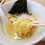 ラーメン九頭龍 - 2014年8月18日(月) 鶏白湯そば(800円) 麺リフト