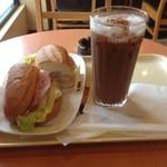 ドトールコーヒーショップ - ミラノサンドAとカフェモカ