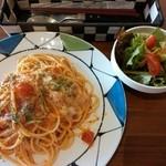 オッサ - チーズとバジルのトマトソース 820円 2014.09.