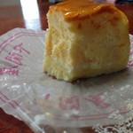 下関屋 - チーズケーキ、スフレタイプでしっとりしております。