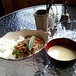 ソットボーチェ - ナスと空芯菜のチキンカレーwithカボチャの冷製スープ(2014/8)