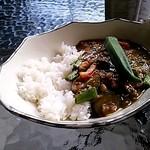 ソットボーチェ - ナスと空芯菜のチキンカレー(2014/8)