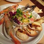 RESTAURANT けんぞう - 料理写真:前菜の盛り合わせ♪海老がぷりっぷりです~。